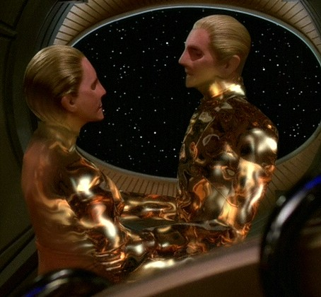Odo_and_female_changeling.jpg