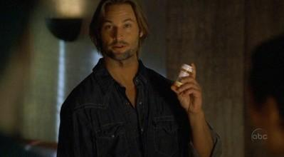 http://images4.wikia.nocookie.net/__cb20061119203652/lostpedia/images/0/0c/2x13_sawyer_medicine.JPG