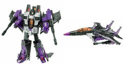 Classics Skywarp toy