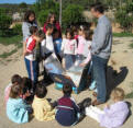 Spanish students at solar cooking workshop