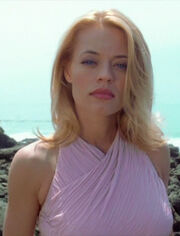 Seven of Nine ohne Implantate