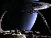 Enterprise-D bei Deep Space 9