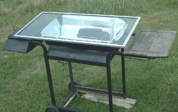 West&#39;s Solar Oven Cooking Cart in action closeupssmaller