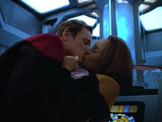 Tom Paris kisses B&#39;Elanna Torres