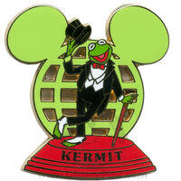 Disneypin-kermitearglobe