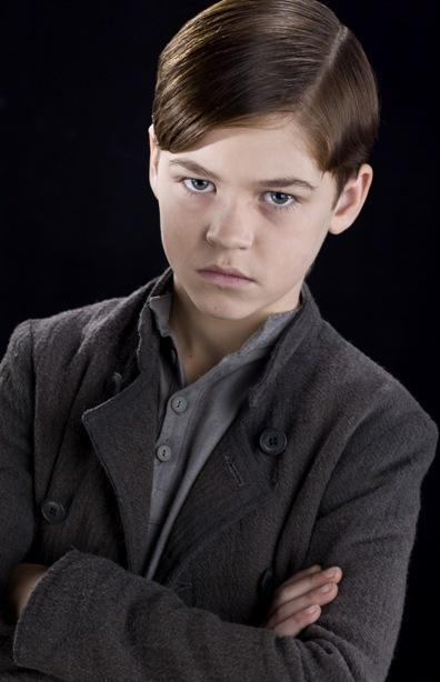 http://images4.wikia.nocookie.net/__cb20090811155820/harrypotter/images/e/e4/Tom_Riddle_(11_years_old).jpg