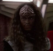 Klingon warrior on DS9 2372