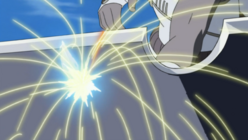 Killer Bee piercing through Suigetsu's sword