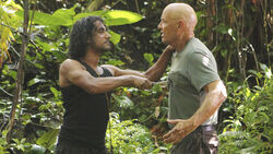 6x06-Sayid-sticht-Locke