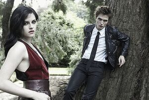 Robert Pattinson and Kristin Stewart in Bazaar (17)