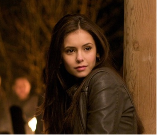 http://images4.wikia.nocookie.net/__cb20100417195107/vampirediaries/images/b/b0/Elena_gilbert_closeup.png