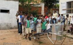 Zahana solar cooker assembly
