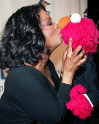 Oprah elmo 400