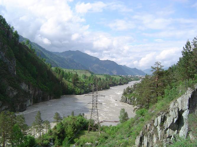12 июня около 18:00 в 1 км от села Чемал утонула в реке Катунь Голосова Влада.
