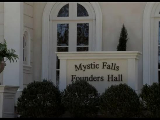 Salão dos Fundadores 548px-FoundersHallSign1
