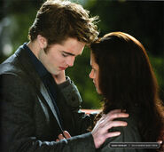 New-moon-movie-still-bella-and-edward-2