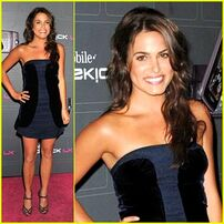 Nikki-reed-t-mobile-terrific