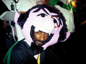 Snoop dogg - halloween 2010 - the count