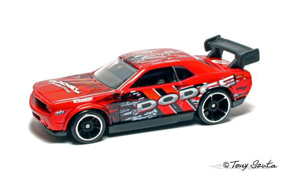 Hot Wheels 2011 Dodge_challenger_drift_car_red