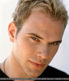 Kellan Lutz 76