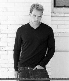 Kellan Lutz 73