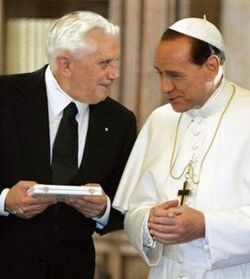 Silvio Berlusconi e Papa Ratzinger