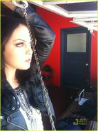 Elizabeth-gillies-loves-movies-03