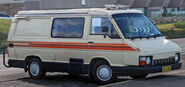 1983 Toyota Hiace Sunchaser van 01
