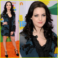 Elizabeth-gillies-kcas-2011