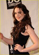 Elizabeth-gillies-do-something-01