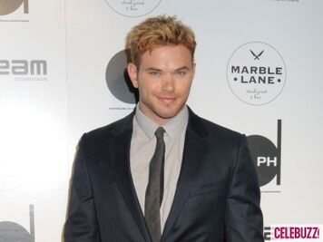 Kellan lutz-celebbuzz.com-098