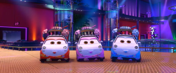 Disney store : coffret voyage à Tokyo 572px-Cars_2_-_szenenbilder_03