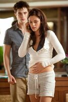 Robert-Pattinson-Kristen-Stewart-Twilight-Saga-Breaking-Dawn-Part-1-image-6