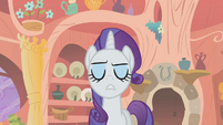 Rarity frowning smugly S1E8