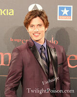 Dqnq-jackson rathbone-2011