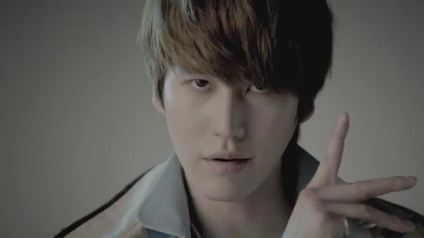 Kyuhyun-mr-simple-mv-super-junior-24549702-854-480