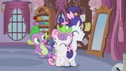 Rarity and Sweetie Belle reconcile &quot;deal!&quot; S02E05