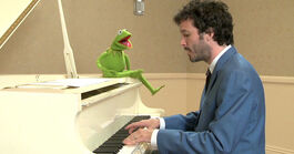 TheMuppets-(2011)-Kermit&amp;BretMcKenzie02