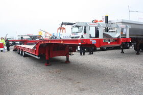 IMG 8083Montracon semi-low loader plant trailer at SED 099 - 