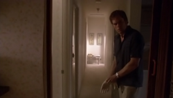 1x01 Dexter 68