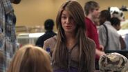 Shenae-on-Degrassi-7x01-shenae-grimes-8630995-624-352