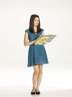 Community s2 alison brie 006 595