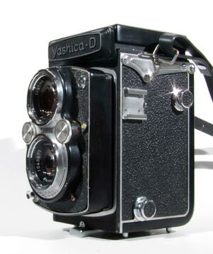 Yashica-D 05