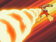 EP545 Blaziken usando giro fuego