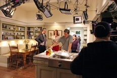 BehindTheScenes8x17 2