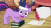 100px-Twilight_making_a_face_S2E20.png