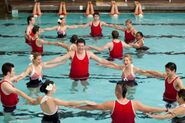 Glee-Episode-3-10-Photos-Synchronized-Swimming-in-Yes-No-glee-27948025-600-40034