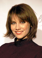 Lauren-cohan-short-bangs-bob-layered-edgy-brunette