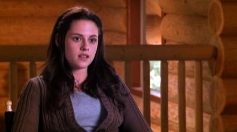 "Twilight (2008) - Interview Kristen Stewart ""On why this love story works"""
