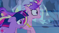 Twilight and Cadance running S2E26